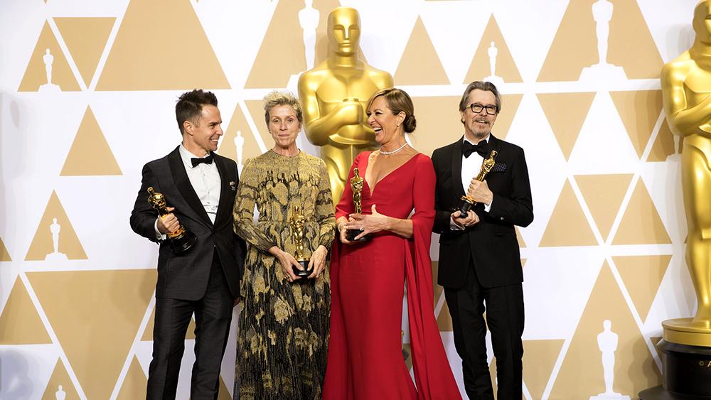 «Оскар-2018»: Костюмы, платья, гидроцикл