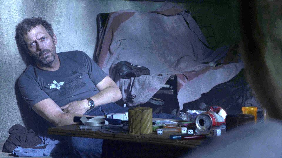 Доктор Хаус  страдает в майке австралийского дизайнера Линкольна Мейна (принт «Brooklyn Birds»)