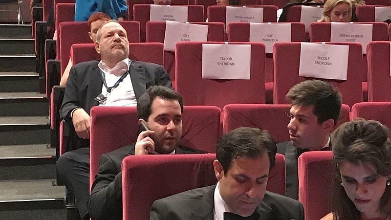 Продюсер Харви Вайнштейн на премьерном показе в Каннах: У него ничего не отбирают при входе