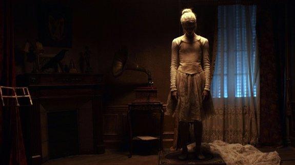Кадр из фильма «Мертвенно-бледный»