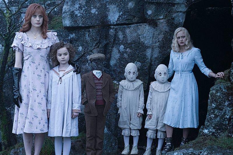 Близнецы в фильме выглядят так же, как и в книге