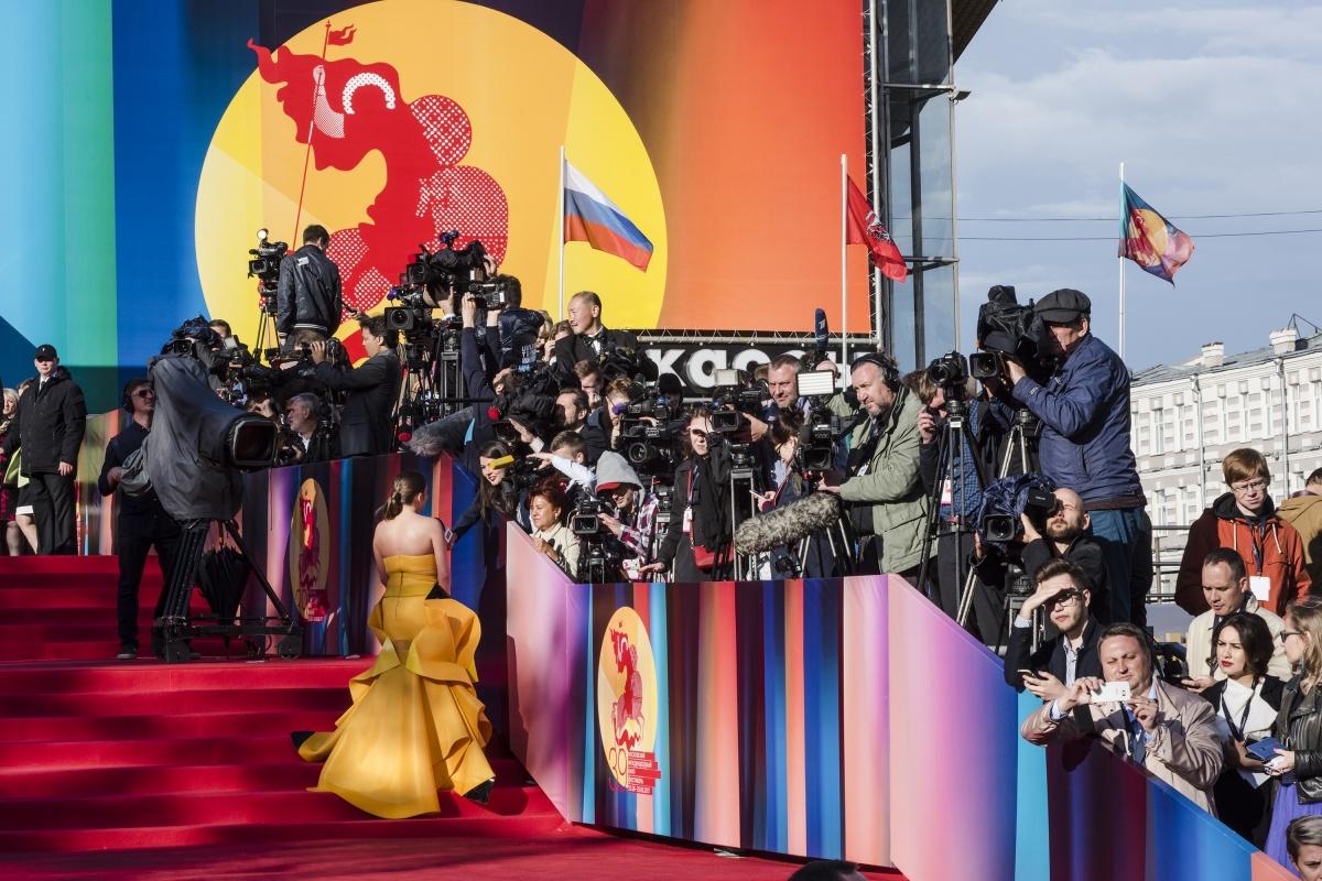 Звезды на открытии Московского кинофестиваля