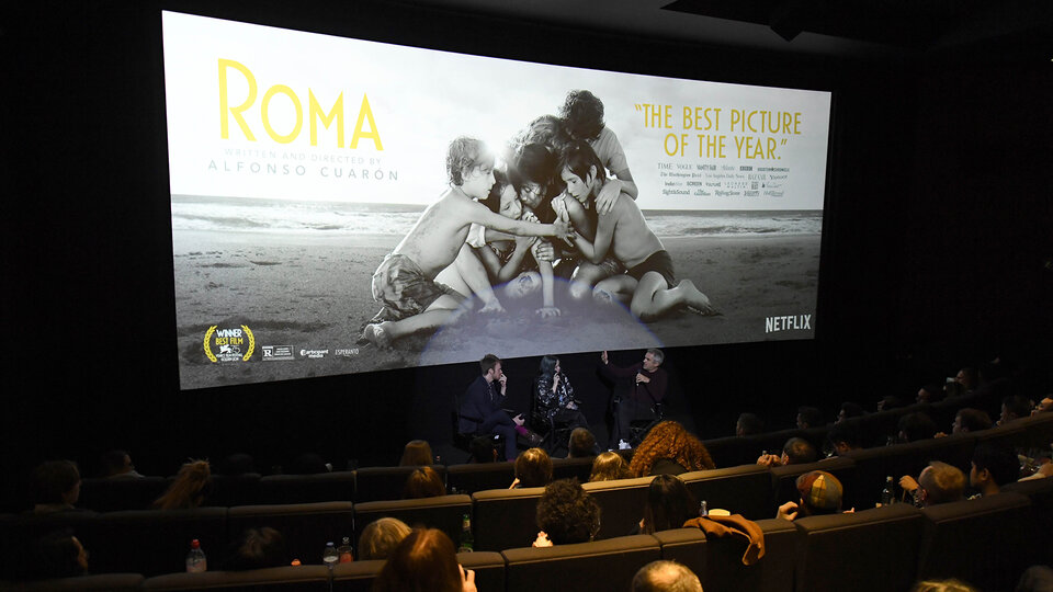 Показ фильма «Рома» в кинотеатре / Фото: Getty Images