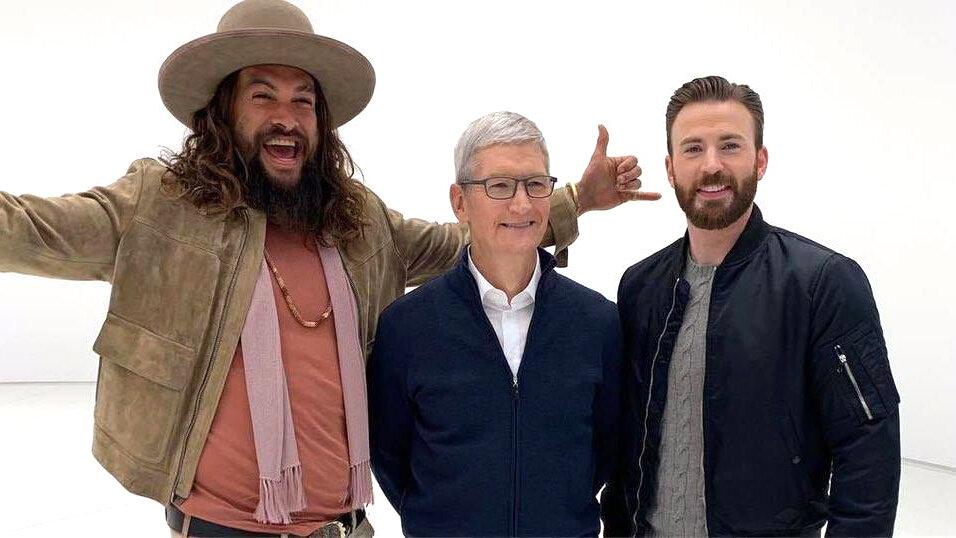 Джейсон Момоа, Тим Кук и Крис Эванс на презентации Apple TV+ / Фото  из Instagram Джейсона Момоа