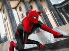 Постеры фильма «Человек-паук: Вдали от дома»: Супергерой и турист