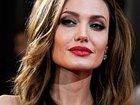 В июне Анджелина Джоли позеленеет