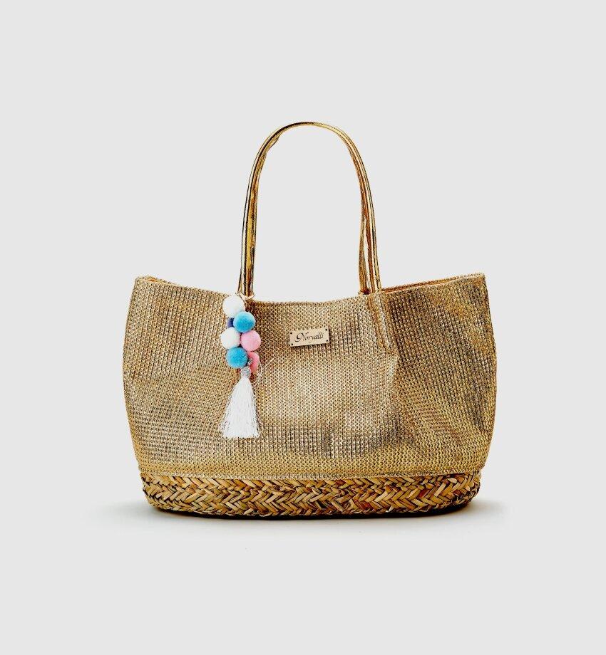 cd28ea191004f Пляжную сумку для бассейна не нужно беречь от песка, поэтому она может быть  блестящей и