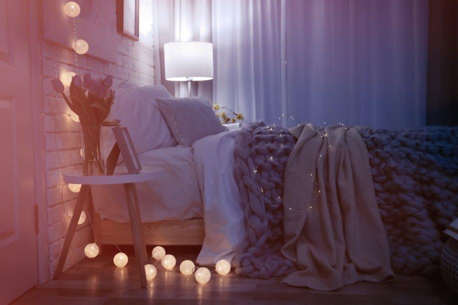 Неяркий рассеянный свет вспальне поможет расслабиться перед сном