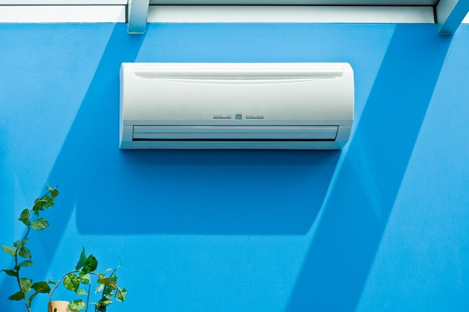 Công suất của thiết bị nên được xem xét theo công thức - 1 kW cho mỗi diện tích 10 mét vuông.  m
