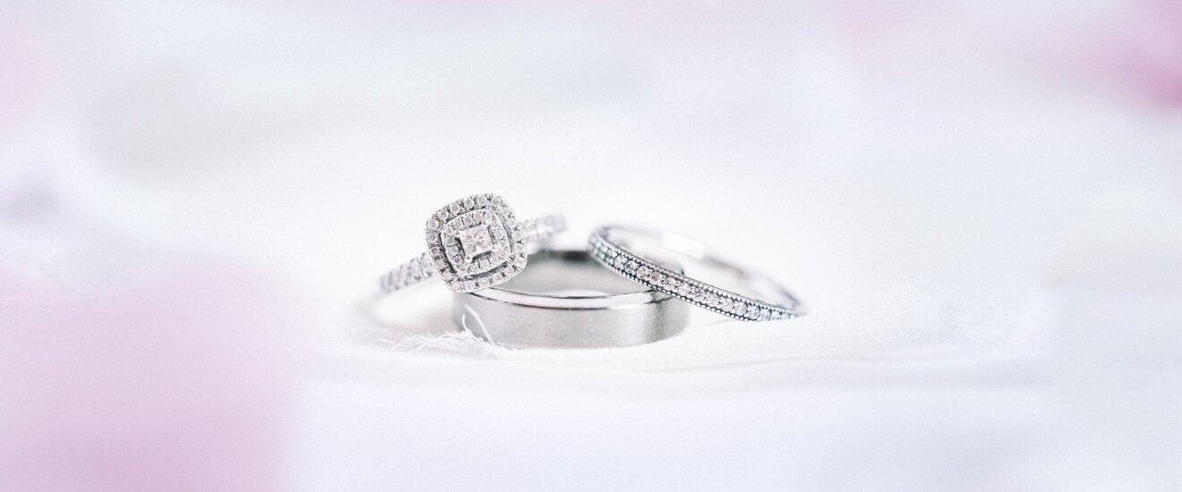 кольцо с бриллиантом https://zoloto585.ru/catalog/yuvelirnye_izdeliya/kolca/s-brilliantom/
