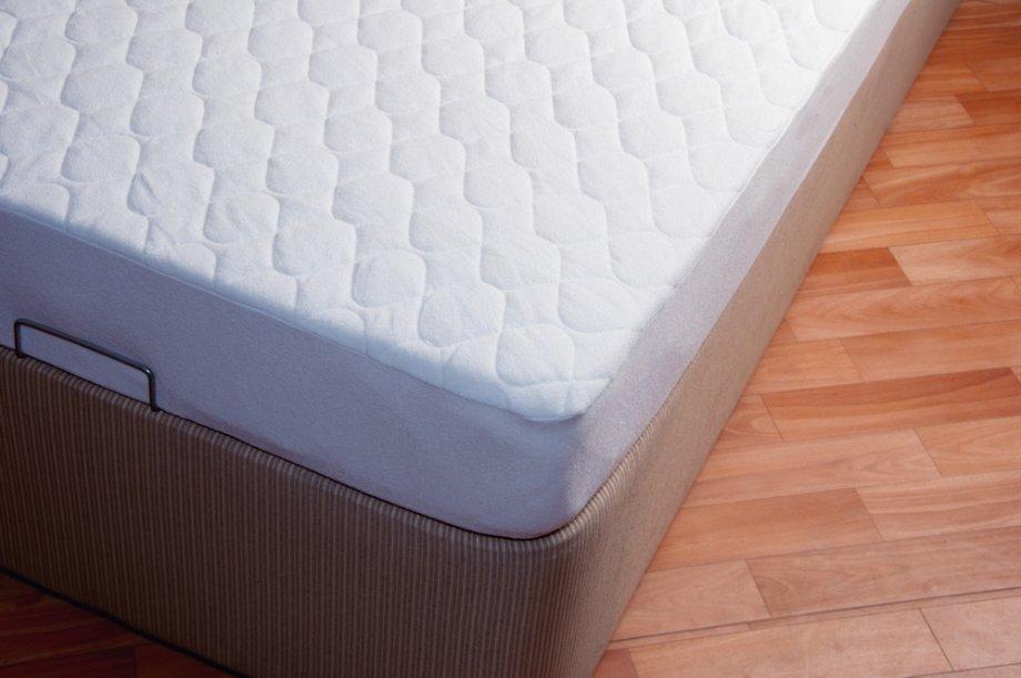 Хороший матрас выполнен изнатуральных материалов, гипоаллергенен ихорошо сохраняет форму