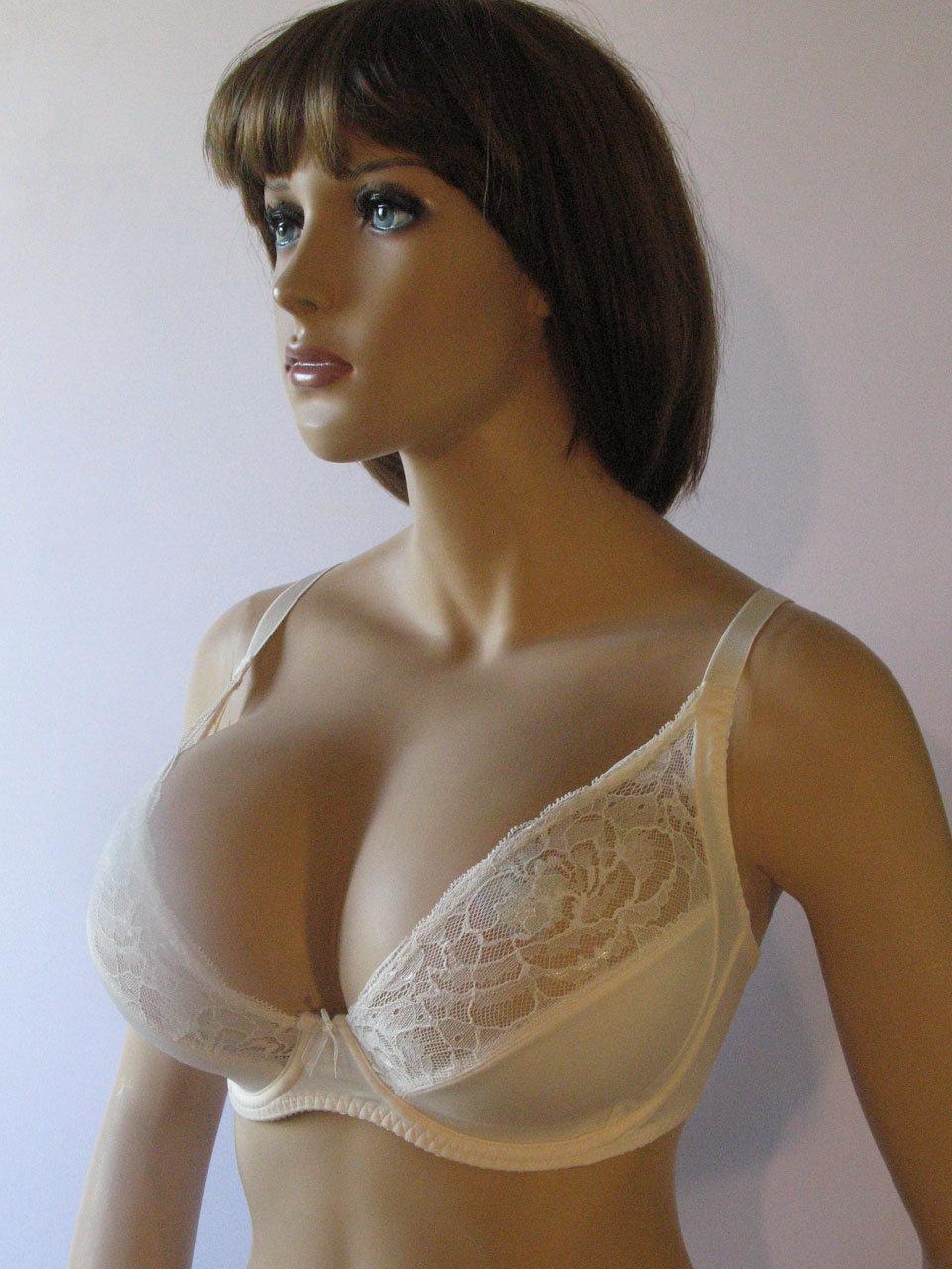 Фото молодые стоячие груди ню кто потом