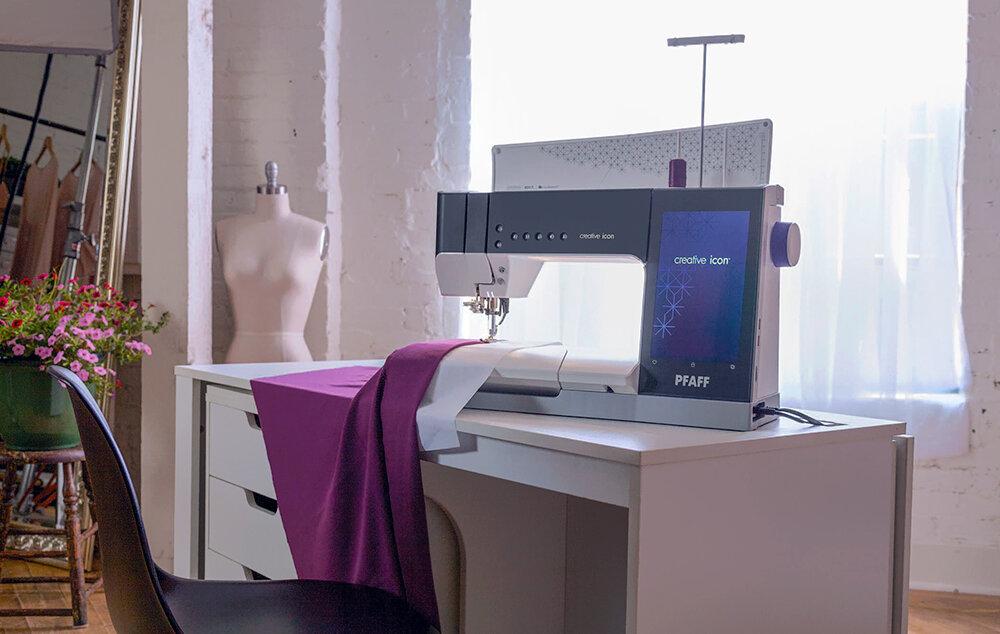 Швейно-вышивальная машина. Pfaff Creative Icon
