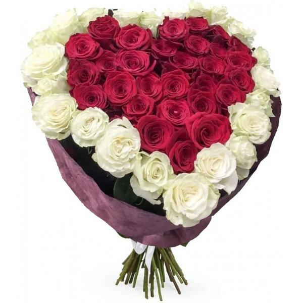 Цветы, букет из роз виде сердца фото