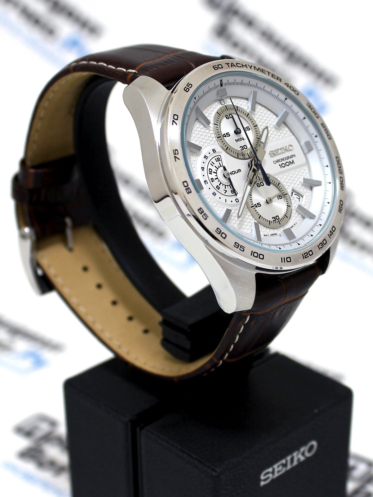 Эти часы подойдут не только деловому стилю или повседневной жизни, с ними можно заниматься спортом, нырять или покорять горные вершины.