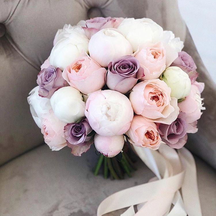 Букет невесты с пионовидными розами и пионами art. 05-146