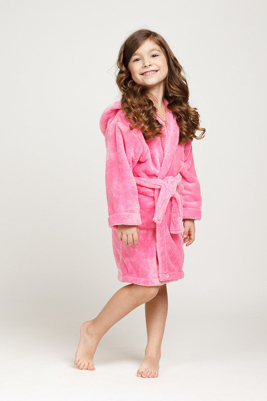 Детский розовый халат из велсофта с капюшоном