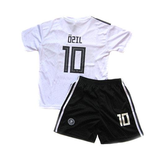 Форма сборной Германии по футболу 2018 OZIL