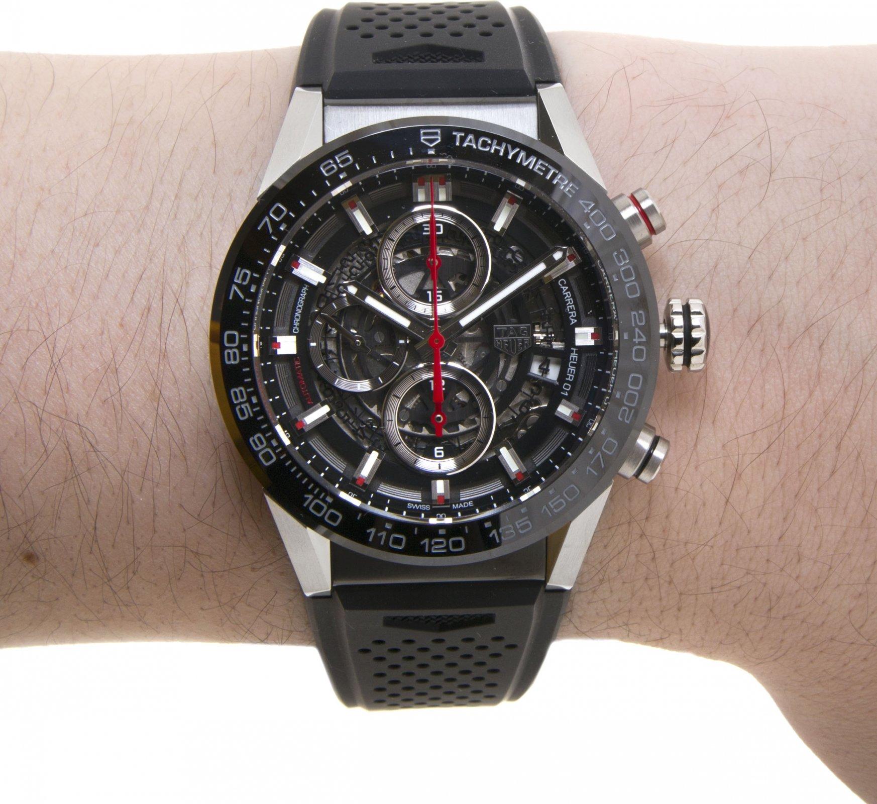 На разработку первой модели ушло четыре года усердного труда, совместно с ведущим дизайнером кристофом белингом, были рассмотрены бесчисленные вариации прототипов, прежде чем найдена финальная, правильная версия часов.