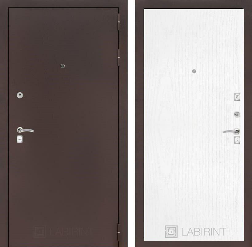 Входная дверь Лабиринт Классик 7 (Антик медный / Белое дерево) Белое дерево