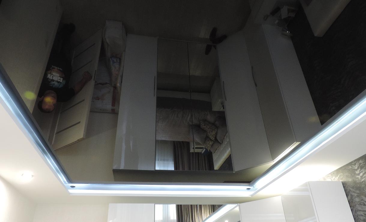 Черные натяжные потолки Pongs пвх