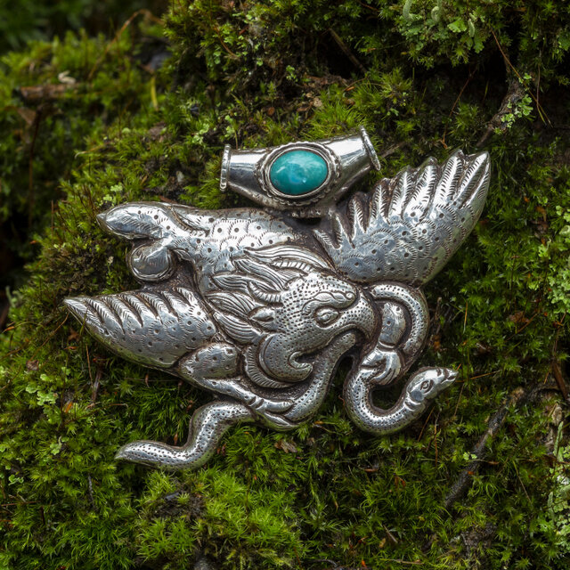 """Тибетская подвеска с бирюзой """"Гаруда со змеей"""""""