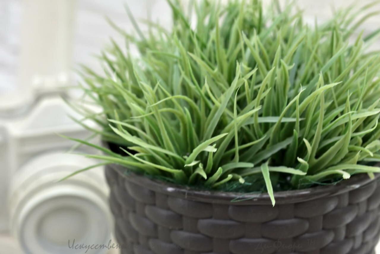 Трава искусственная 5см в кашпо d13хh12см. № 10338002-mod122
