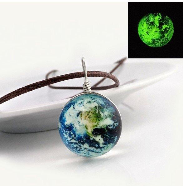 Светящийся кулон космос Земля
