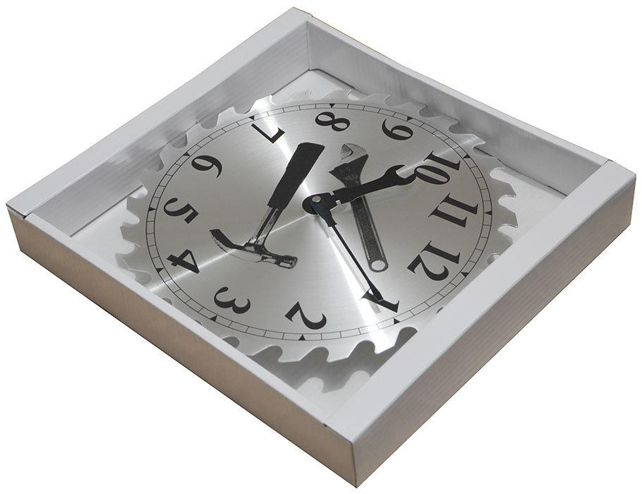 Часы прикольные станут лучшим украшением любого помещения.