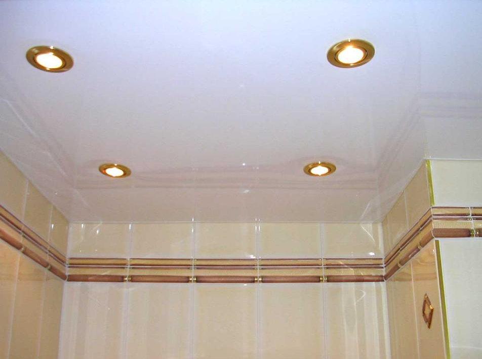 Натяжные потолки глянцевые белые в ванную цена за 1м2 с установкой