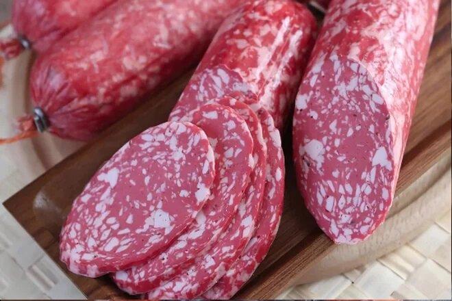 Вегетарианская колбаса Салями Пряная Vego