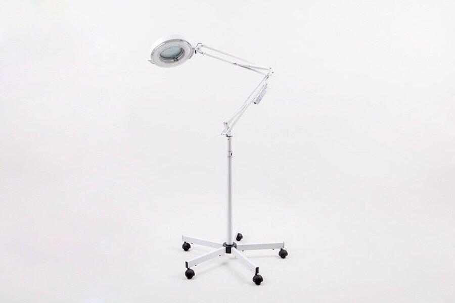 Лампа-лупа косметологическая на штативе SD-2021A Мебель и оборудование для салонов красоты