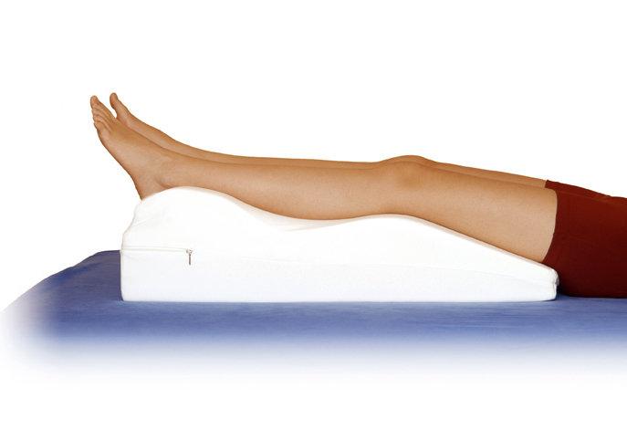 Подушка для ног при варикозе