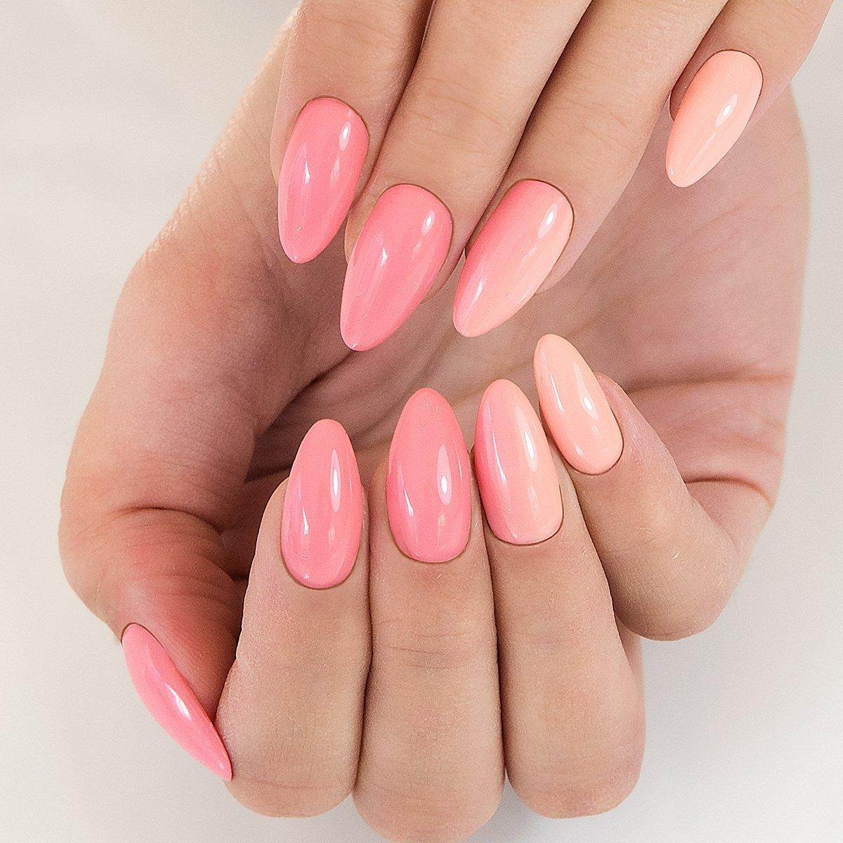dark pink nails -