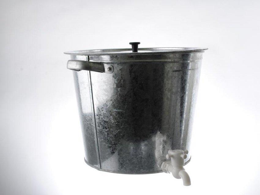 Бак для воды, оцинкованный, с краном, 32 л