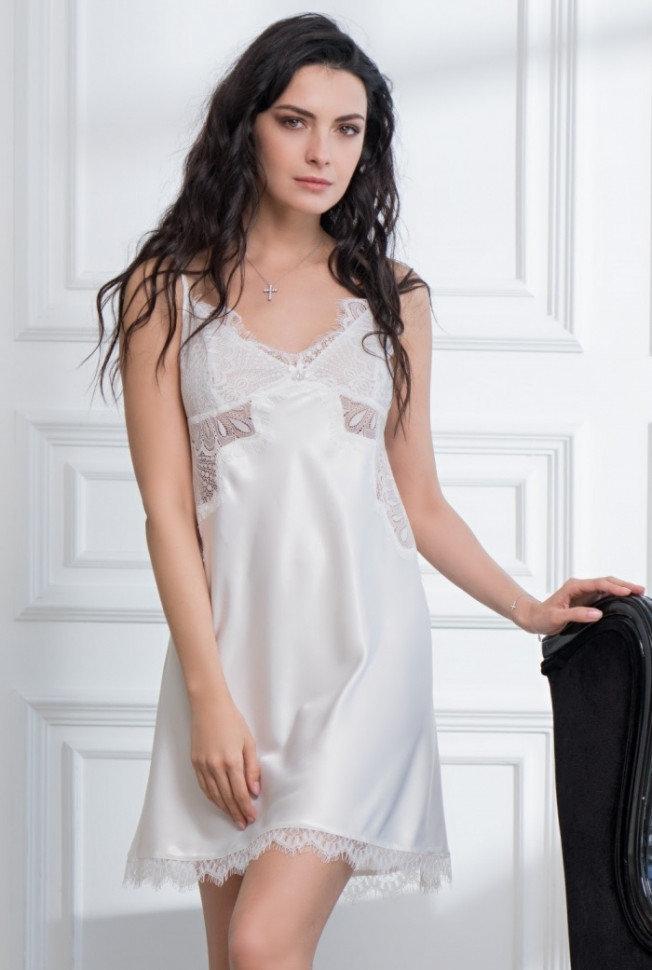 Укороченная бриллиантово-белая сорочка