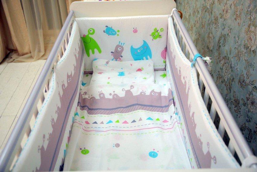 Купить бампер в кроватку для новорожденных недорого