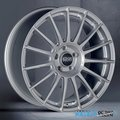 Диск OZ Racing Superturismo LM 7.5x17 5/112 D75 ET35Silver Black - фото 1