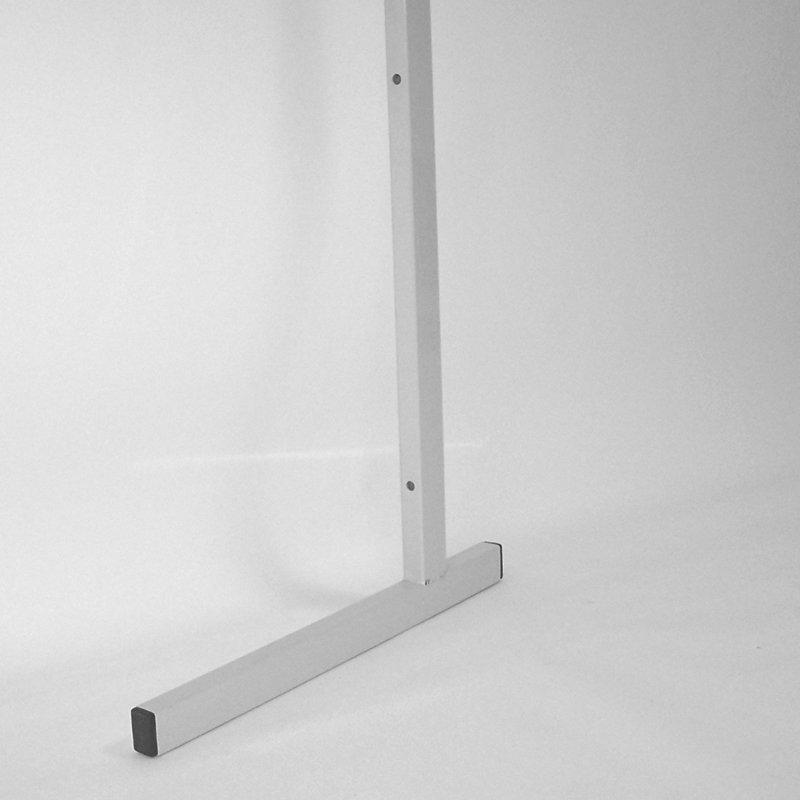 Торговая панель для оборудования магазинов: Опора для торговой панели торговых магазинов высота 2400мм, длина 550мм, цвет серый. - КСК-301