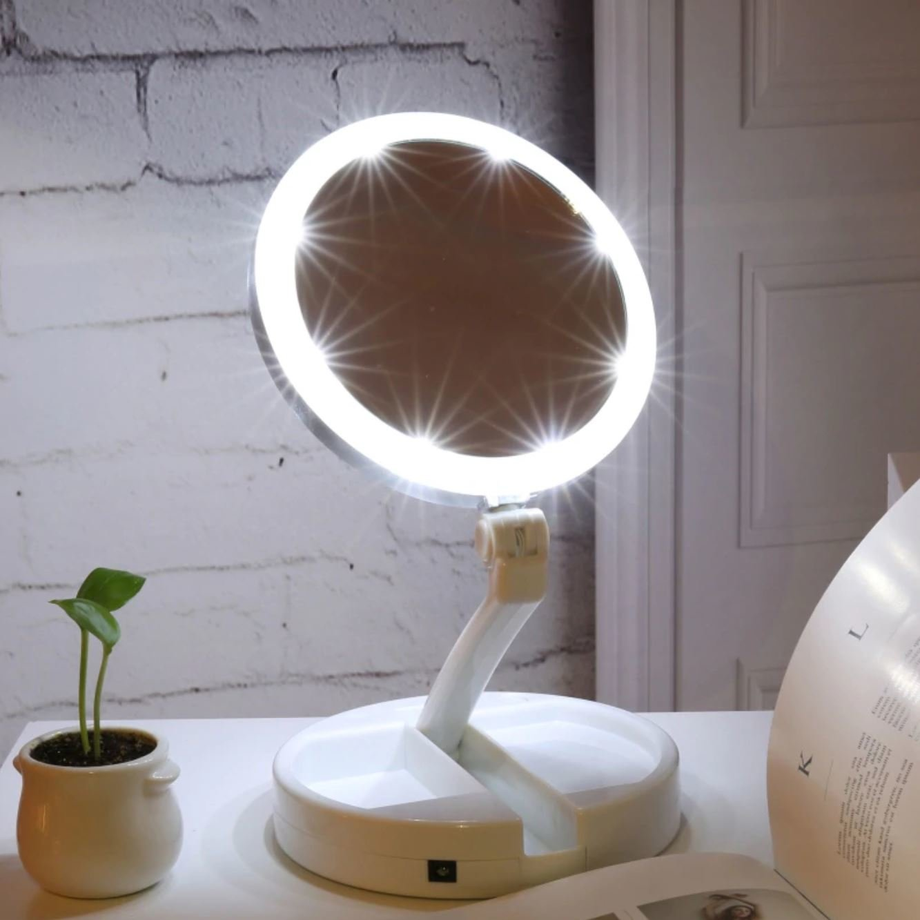 Зеркало со светодиодной подсветкой My FoldAway Mirror