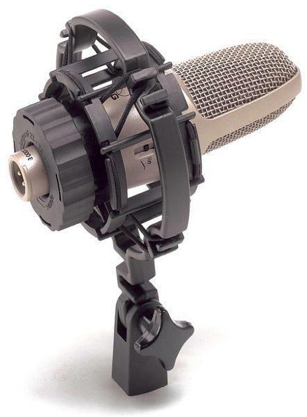 AKG C3000 микрофон конденсаторный кардиоидный, с мембраной 1`, перекл.: НЧ,-10дБ, с держателем H85