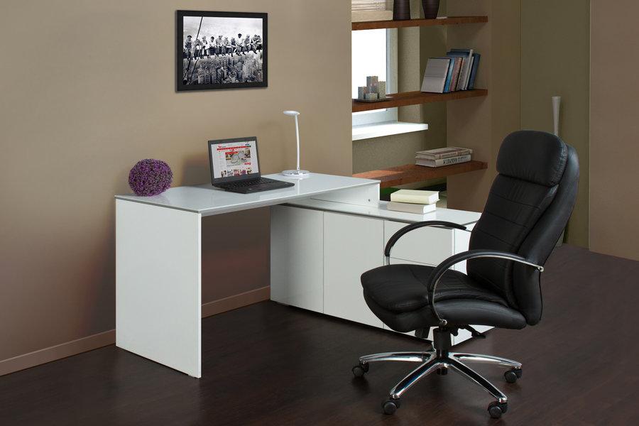 Как выбрать идеальный офисный стол