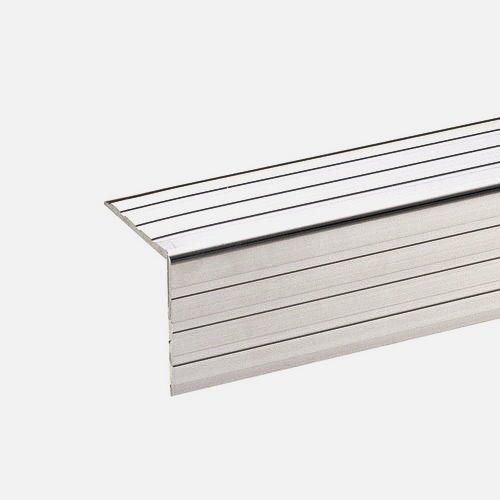 AdamHall 6105 - профиль алюминиевый 30х30 мм, угловой. Длина 4м (цена за 1 м.).
