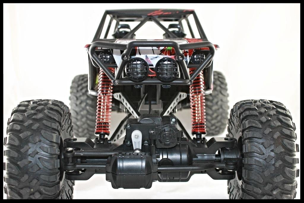 Внедорожник HuangBo Toys HB-P1001 4WD 1:10