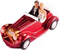Украшение пластиковое Свадебная пара на кабриолете 16x8 см.
