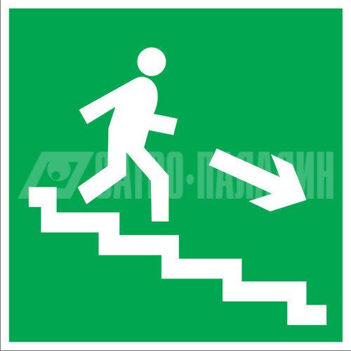 Знаки безопасности ЗнакПром Знак E13 Направление к эвакуационному выходу по лестнице вниз (Пленка 200х200 мм)