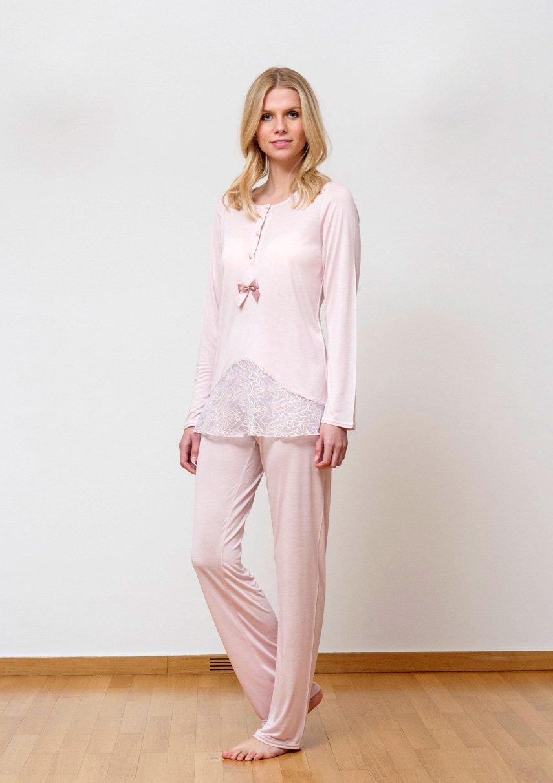 посмотреть в картинках женские пижамы перила