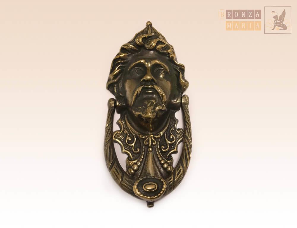 Кнокер, дверной молоток на дверь