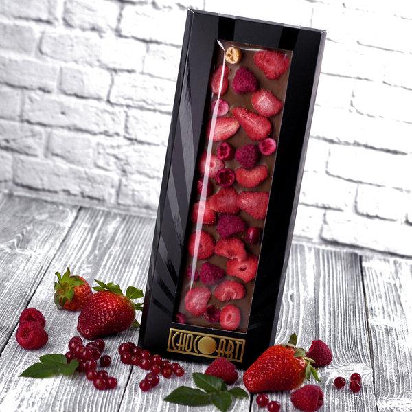 Молочный шоколад ручной работы Chocoart 35% с добавлением ягод (100 г)