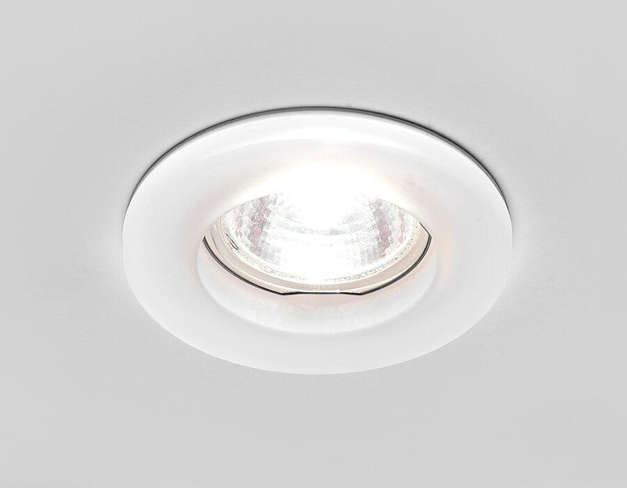 Встраиваемый светильник Ambrella D2240 W хром/матовое стекло